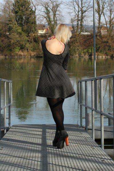 backlessdressfashion